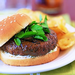 firecracker_burgers_with_cooling_lime_sauce