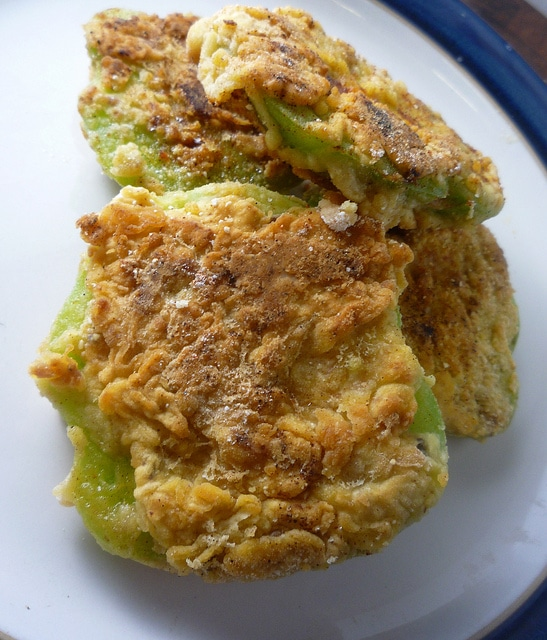 fried green tomatoes ingredients 3 green tomatoes 6tbsp of cornmeal ...