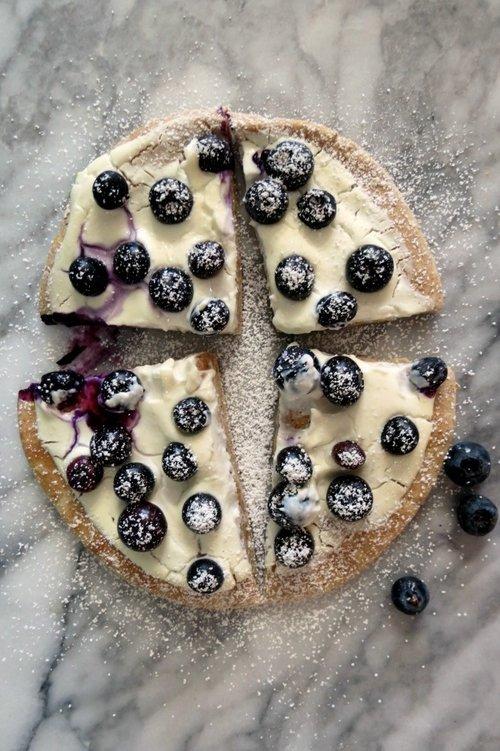 Blueberry-Dessert-Pizza-a