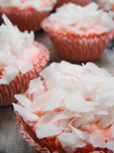 Recipe for Strawberry Coconut Cupcakes