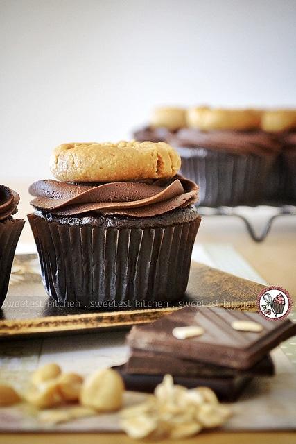 Vegan_Chocolate_Peanut_Butter_Cookie_Cupcakes