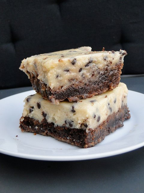 chocolate_chip_cookie_dough_brownies