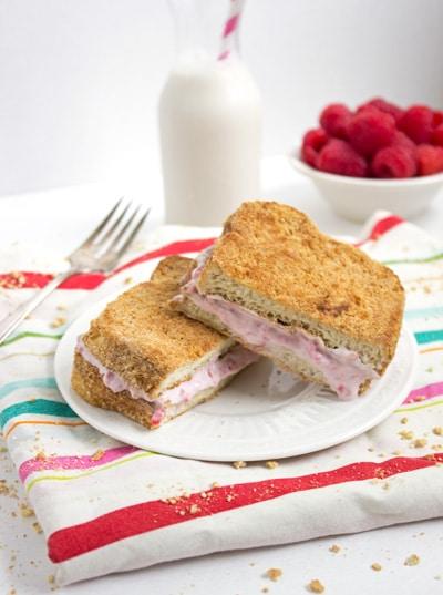 raspberrycheesecakestuffedfrenchtoast2