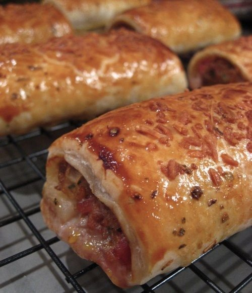 These delicious Italian Sausage Rolls are the perfect budget-friendly appetizer or brunch fare.