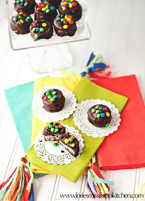 Chocolate_Chip_Cookie_Dough_Stuffed_Oreos
