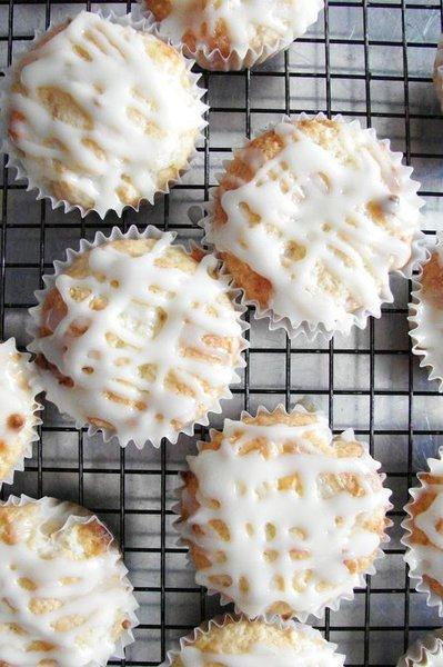 White_Chocolate_Macadamia_Muffins