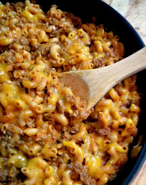 Crazy Good Chili Mac - This tasty cheesy chili mac is so good your belly will say oh thank you, thank you (so will your family!). This one pan meal is ready in under an hour and there's almost no clean up.