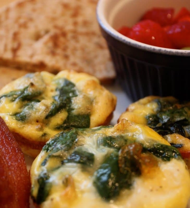 Recipe for Mini Frittatas with Spinach and Tomatoes