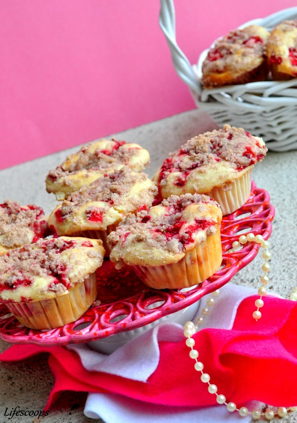 Recipe for Strawberry Muffins with Cream Cheese filling and Streusel Topping