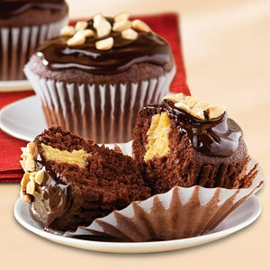 chocolate-peanut-butter-cupcakes-14900003rca-ss