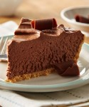 Recipe for Easy 8-Minute No-Bake Chocolate Cheesecake – Creamy chocolate cheesecake in a graham cracker crust, ready in three oven-free steps!