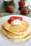 Strawberries_and_Cream_Cheesecake_Pancakes