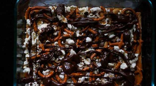 Recipe for No-Bake Caramel Mud Pie Bars